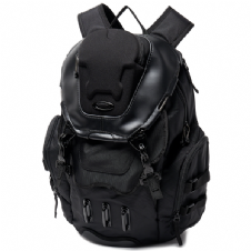Oakley 2018 Lifestyle Bathroom Sink Backpack (Stealth Black)